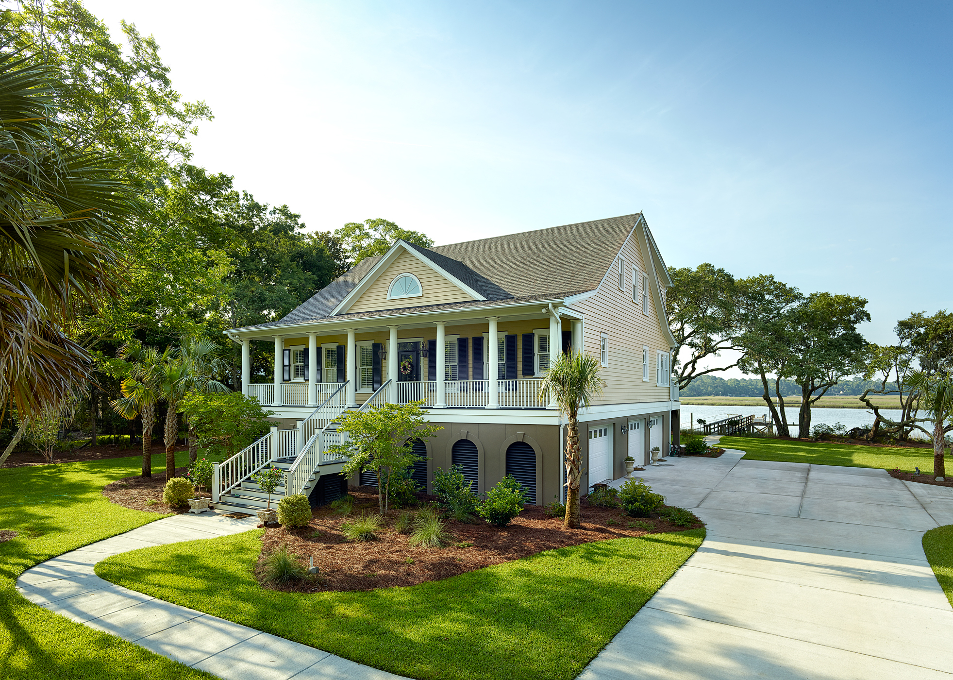2013 prism award winner priester 39 s custom contracting llc for Low country homes